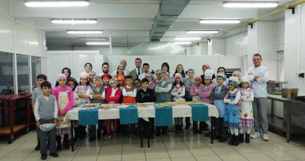 Sosyal Bilimler MYO, uygulama mutfağını minik şeflere açtı