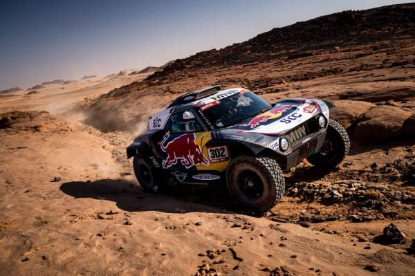 Dakar Rallisinde beşinci günde kazanan Giniel De Villiers