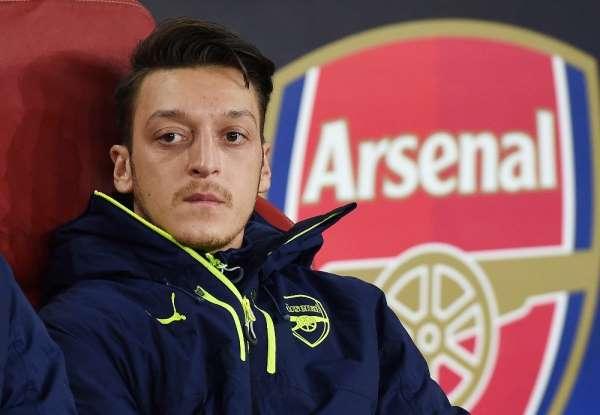 İngilterede gündem Mesut Özil: Rekor ücretle geldi, bedavaya gidiyor!