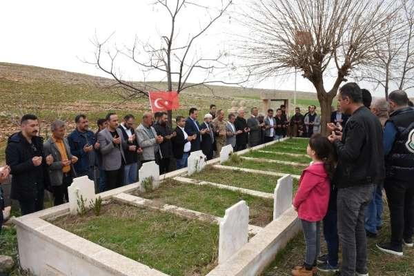 Nusaybin şehitleri 33'üncü yılında mezarları başında anıldı
