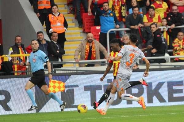 Süper Lig: Göztepe: 0 - Başakşehir: 3 (Maç sonucu)