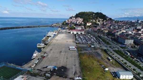 Giresun Limanı faaliyetlerini sürdürüyor.
