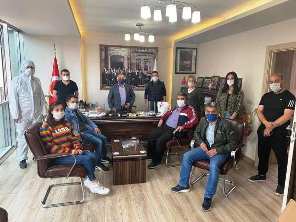 Kuaför ve berberlere ücretsiz maske ve ekipman desteği