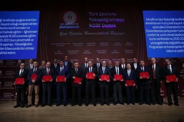Bakan Kasapoğlu'ndan YKS tercih sürecindeki milli sporculara önemli hatırlatma