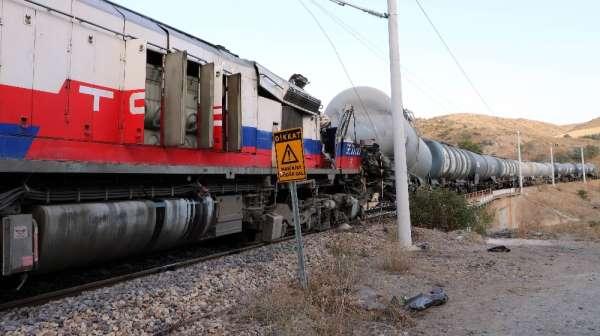 Yozgat Valisi Polat, tren kazası ile ilgili yetkililerden bilgi aldı