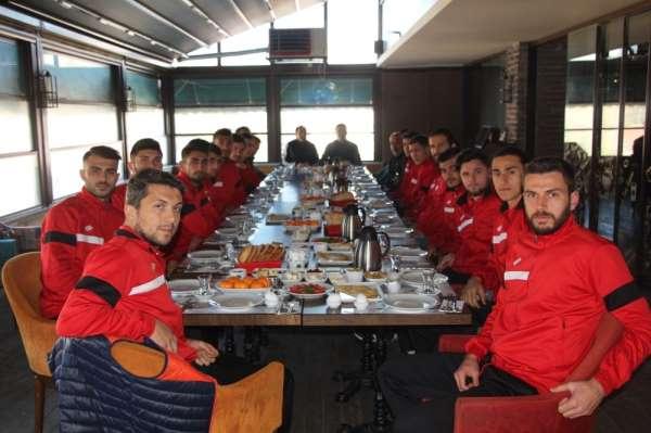 Bilecikspor'a AK Partili meclis üyesinden kahvaltı