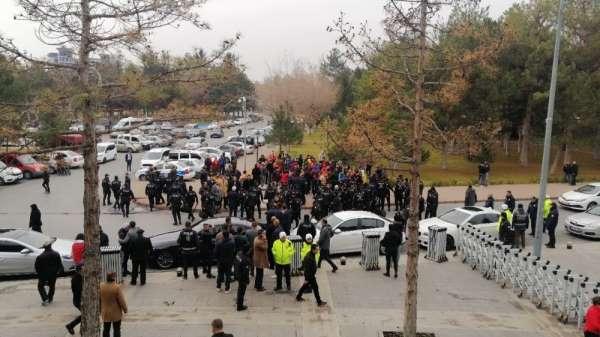 Kayserispor Genel Kurulu öncesi arbede çıktı