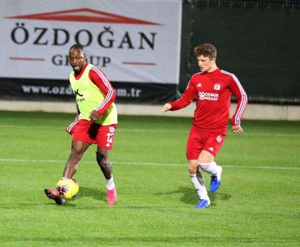 Sivasspor'un Antalya kampı devam ediyor