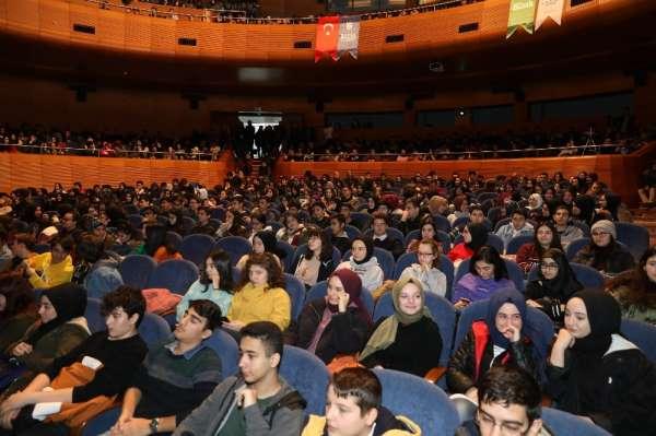 Üniversiteliler 'Hocalara geldi'