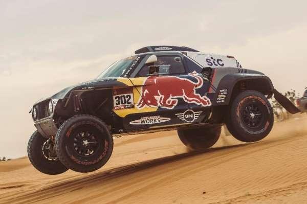 Dakar Rallisinde ilk haftayı Peterhansel zirvede tamamladı