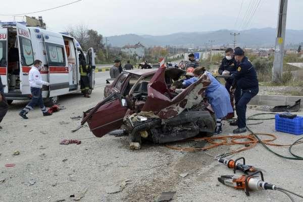 Muğlada trafik kazası: 2 ölü, 3 yaralı