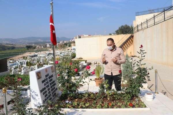 Şehit Emniyet Müdürü Altuğ Verdinin Mersindeki mezarı boş kalmıyor