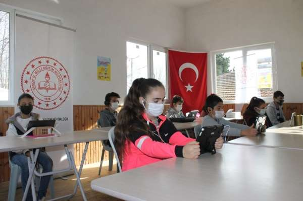 Sinopta EBA Destek Noktaları öğrencilere hizmete devam ediyor