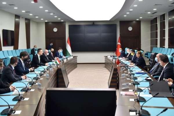 Bakan Pekcan: (Macaristan ile) 6 milyar dolar ticaret hedefine ulaşmak için de karşılıklı çalışmalarımız deva
