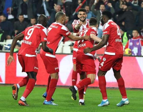 Galatasaray yenilmezlik serisini 9a çıkardı