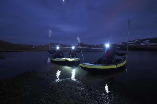 Kanocular gece karanlığında su samurlarının izini sürdü