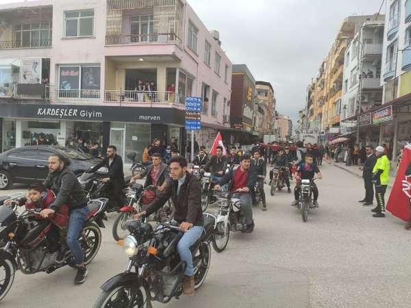 Şehitler için yürüyüş ve motosiklet konvoyu