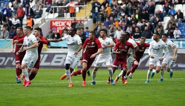 Süper Lig: Kasımpaşa: 3 - Kayserispor: 0 (İlk yarı)