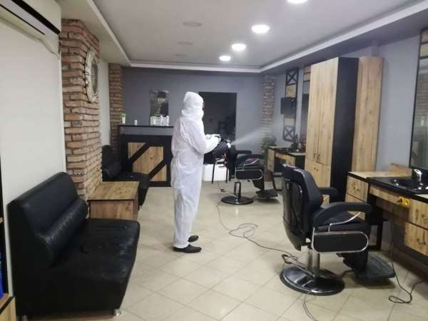 Bafra'da berber ve kuaförlere dezenfekte, gıda işletmelerine denetim