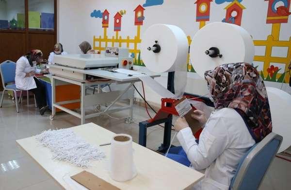 Berber ve kuaförler için maske üretimi