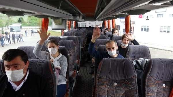 Karantina süresi dolan 323 kişi evlerine uğurlandı