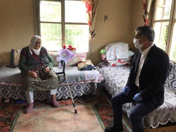 Kozan AK Parti, şehit annesini yalnız bırakmadı