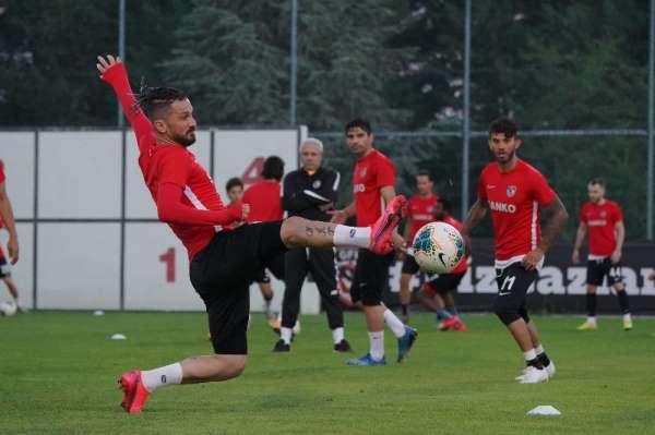Gaziantep FK sıkı çalışıyor