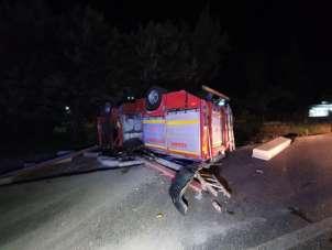 Yangına giden itfaiye ekipleri kaza yaptı