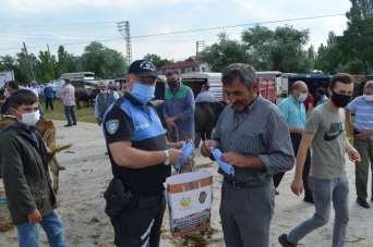 Polis, hayvan pazarında dolandırıcı ve hırsızlara karşı uyardı