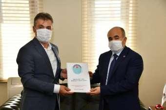Yıldız'dan Vali Dağlı'ya 'Pandemi Sürecinde Eğitim ve Öğretmenler' raporu