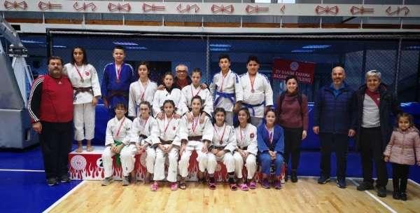 Yunusemreli judocular madalyalara ambargo koydu