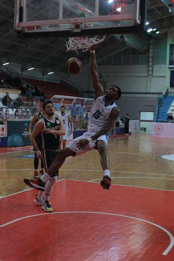 Erkekler Basketbol 1. Ligi: Kocaeli B.B. Kağıtspor: 74 - Bornova Belediyespor: 7