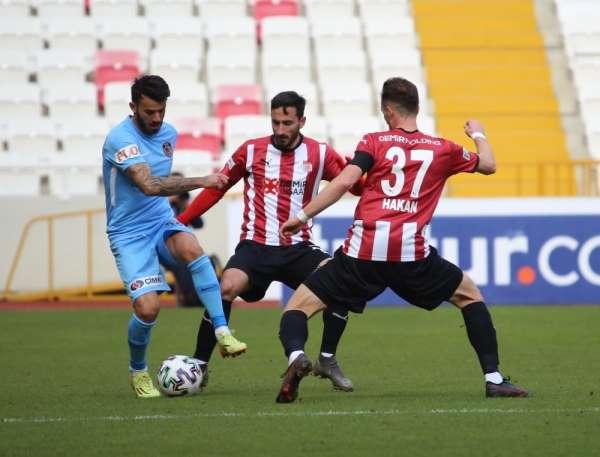 Süper Lig: DG Sivasspor: 1 - Gaziantep FK: 1 (İlk yarı)