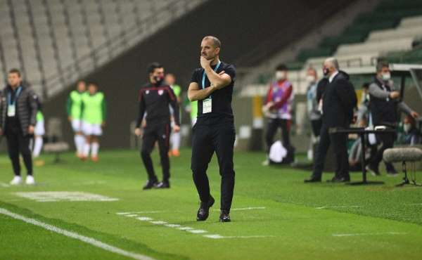 Bursaspor Teknik Direktörü Mustafa Er: Kaybettiğinde değil, vazgeçtiğinde yenilirsin