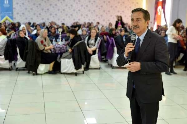 Bin 500 kadın şehitler için dua etti