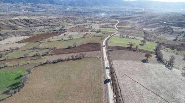 Hamamözü'ndeki köy yollarına bakım
