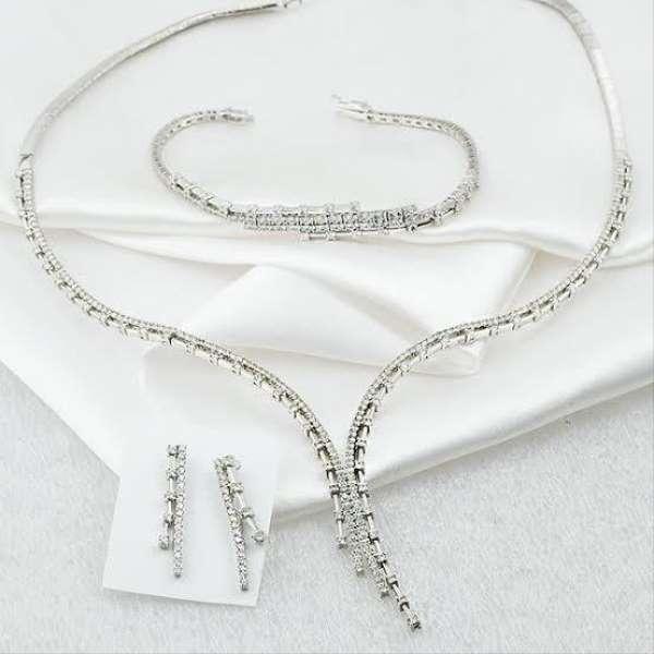 İcradan satılık elmas set