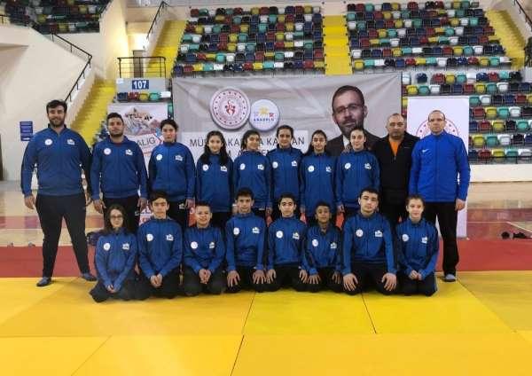 Judocular Balıkesir'den 10 madalya ile döndü