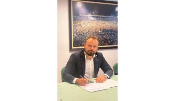 Bursaspor Yönetim Kurulu Üyesi Emir Akbayırdan istifa açıklaması