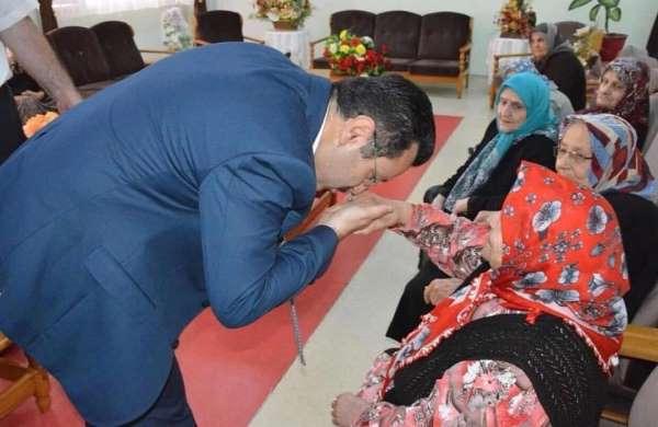 Başkan Genç, 'Anneler Günü' dolasıyla 96 şehit annesi ile 100 yaşını aşan 31 yaş