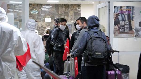 Kuveyt'ten Tokat'a getirilen 280 Türk işçi yurtlara yerleştirildi