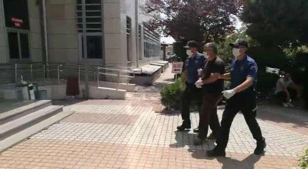 Adana'da genç çiftin öldüğü kazaya karışan tır sürücüsü, adliyeye sevk edildi