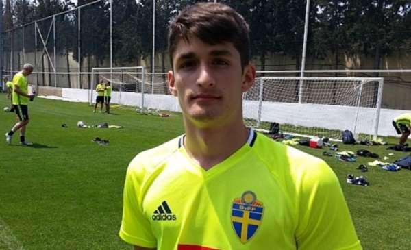 Emre Erdoğdu, futbol hayatına Türkiye'de devam etmek istiyor