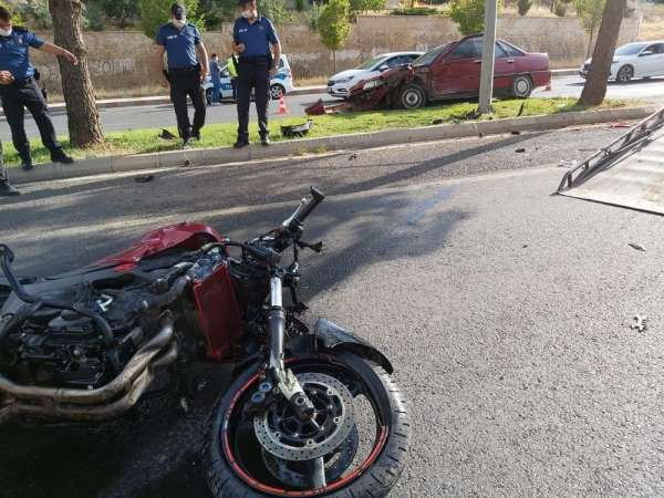 Polis memuru trafik kazasında hayatını kaybetti