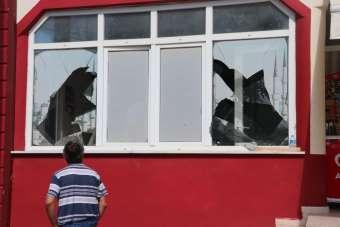 Patlamanın etkisiyle kamyonun parçaları 1 buçuk kilometre uzağa fırladı