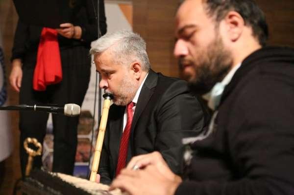 Azerbaycan konserine Rektör Şahin ney üfleyerek eşlik etti