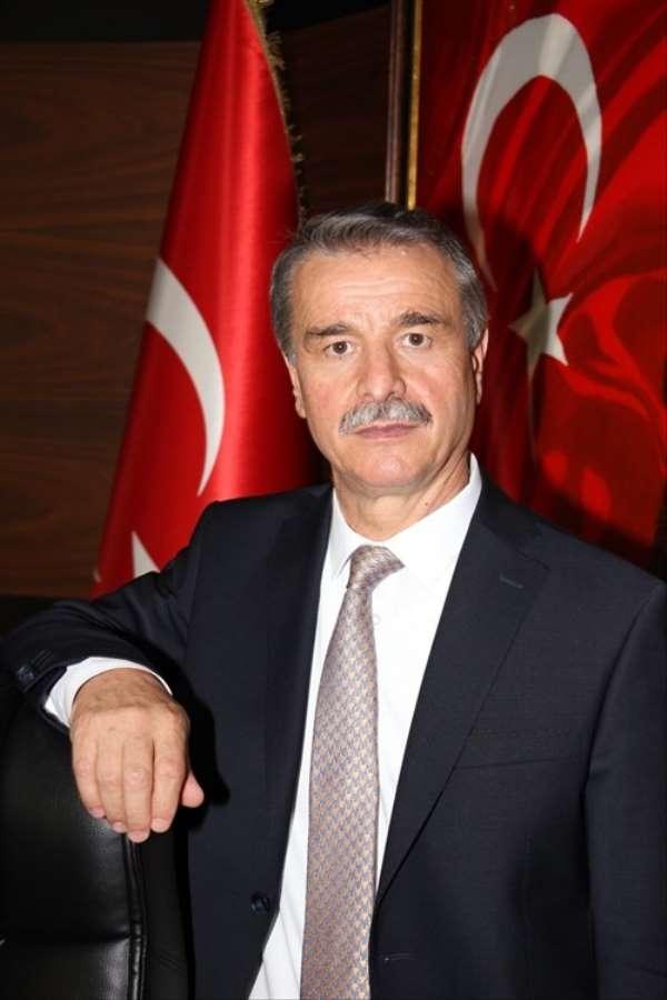 Elmacı: 'Atatürk, büyük bir devlet adamıdır'