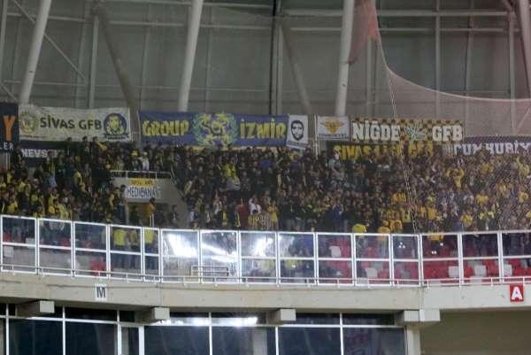 Fenerbahçeliler biletleri anında tüketti