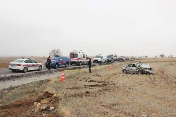 Karaman'da karı-kocayı trafik kazası ayırdı