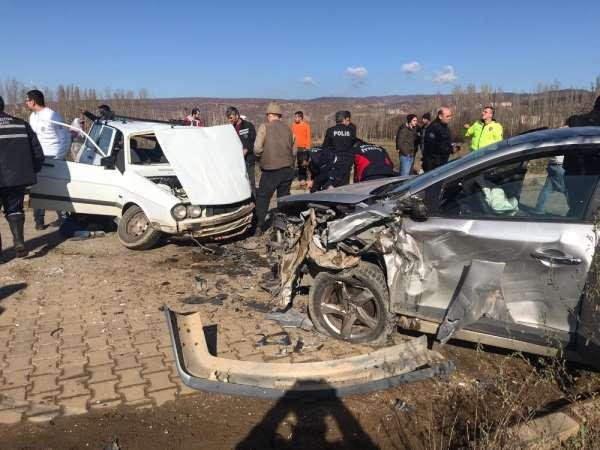 Simav'da trafik kazası: 8 yaralı